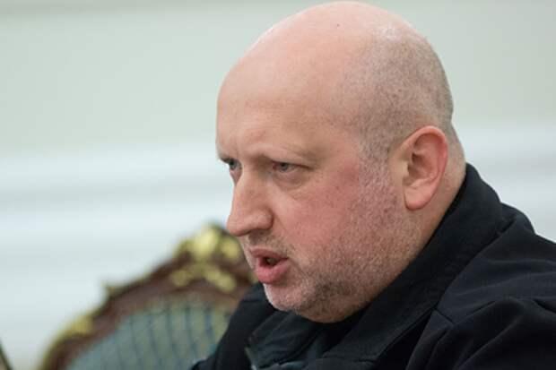 Турчинов выразил готовность лично штурмовать Крым