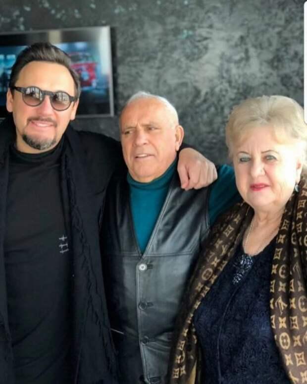 Мама Стаса Михайлова пустила слезу от слов Сосо Павлиашвили