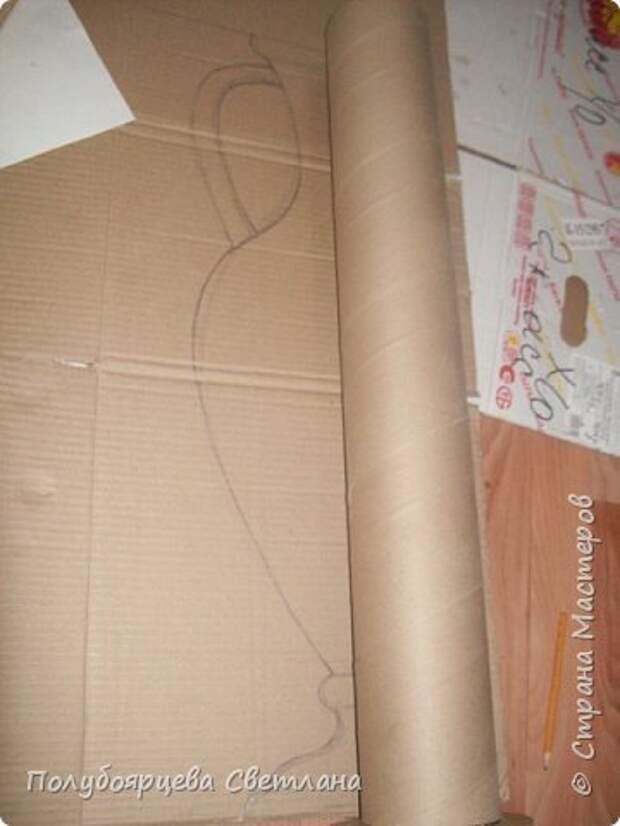 Ваза своими руками Перед тем как изготовить вазу, я долго думала из чего же мне сделать сосуд, напоминающий древнегреческую амфору, и, остановилась на варианте изготовления вазы из картона в технике папье-маше. Здесь, я пошагово расскажу как я это делала и что получилось в итоге. фото 2