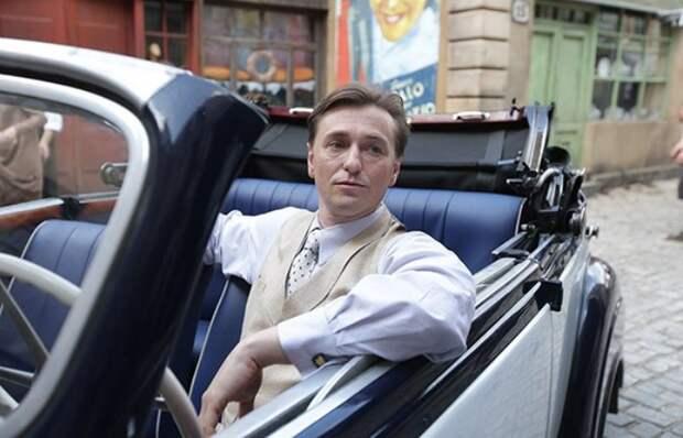 «Машина просто должна ездить»: какой автомобиль есть в гараже Сергея Безрукова
