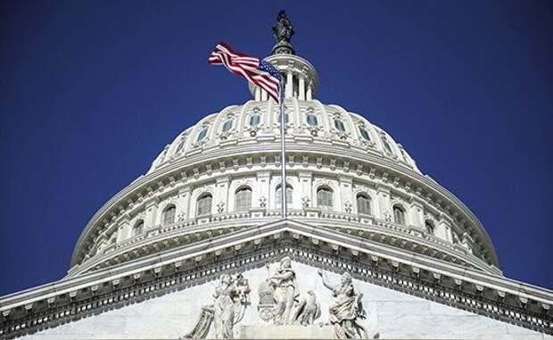 Сенаторы попросили Трампа провести расследование инцидента сНавальным