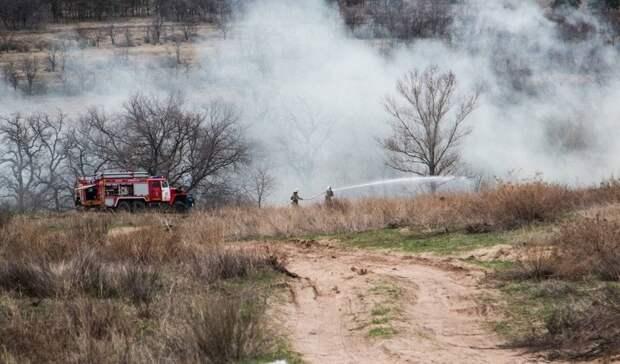 Бочаров потребовал активизировать противопожарную работу в регионе
