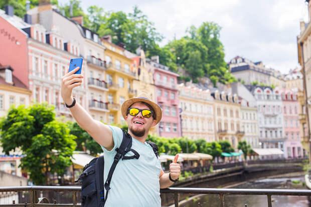 Прага лишилась из-за пандемии более 90% иностранных туристов