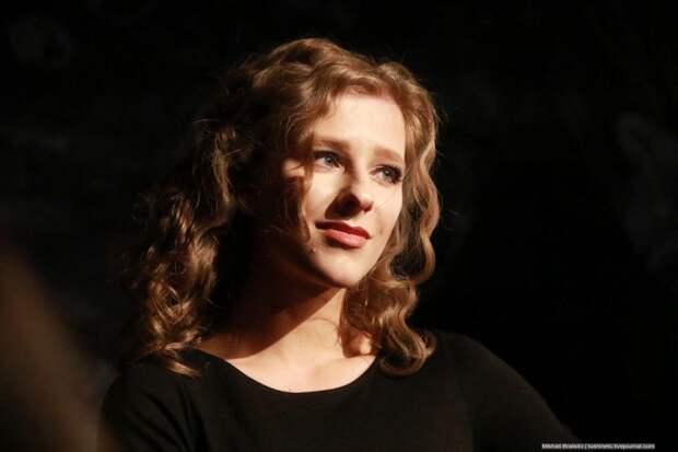 «Большая попа и длинный нос», – Лиза Арзамасова заявила о своей красоте