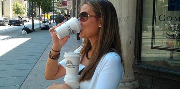 Знаменитости и кофе фото