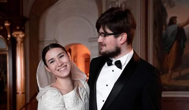19-летняя дочь Бориса Немцова обвенчалась с мужем после годовщины смерти отца