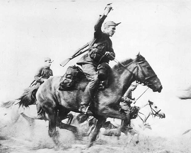 Советские кавалеристы в сабельной атаке СССР, война, история