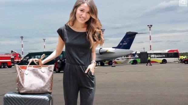 Стюардессы рассказали о незаменимой вещи в их чемоданах
