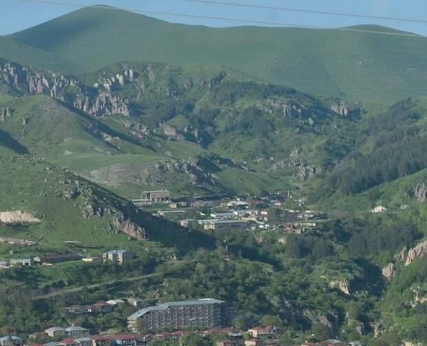 Столкновения на границе Армении и Азербайджана продолжаются, три человека уже погибли