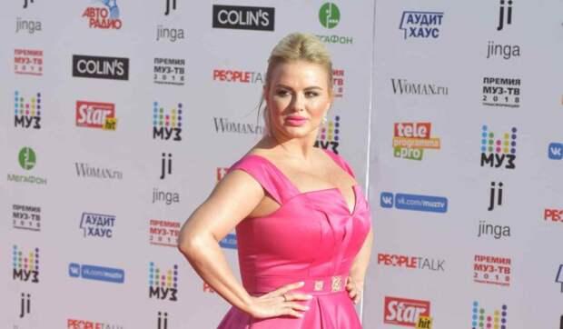 Анна Семенович получила жуткую травму на съемках Первого канала