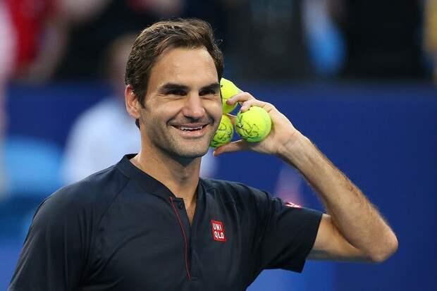 Федерер возобновил тренировки на корте после травмы