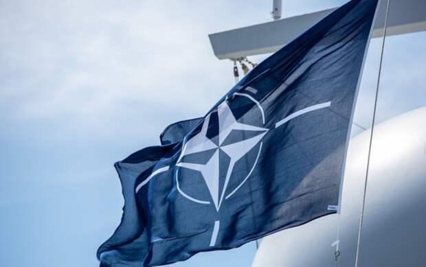 НАТО обеспокоена усилением военного присутствия России в Арктике