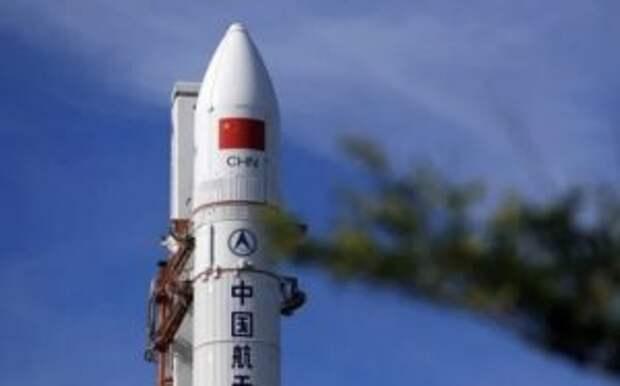 На Землю падает неуправляемая китайская ракета