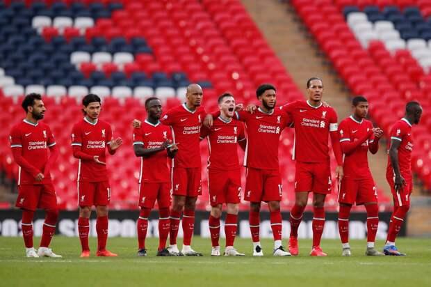 «Все должны гордиться этим выступлением». «Ливерпуль» поддержал «Астон Виллу», игравшую молодежным составом