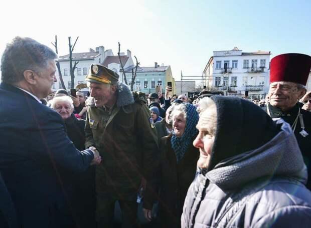 Недобитый бандеровец попросил Порошенко «дать по зубам» Путину