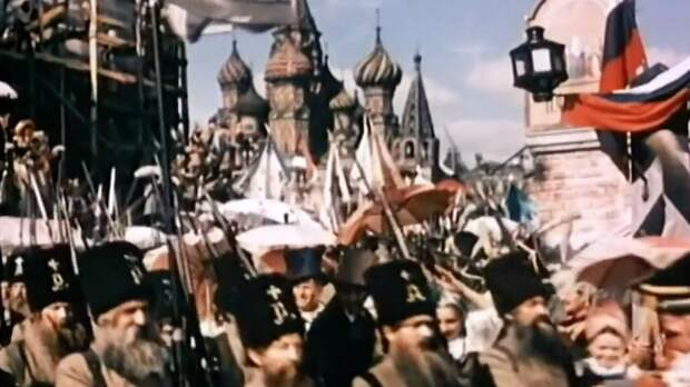 Про «власовскую тряпку» в фильме «Старинный водевиль», 1946 г.