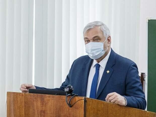 Угрозу главы Коми «урыть» коммуниста в его пресс-службе объяснили желанием чиновника говорить с депутатом на его языке