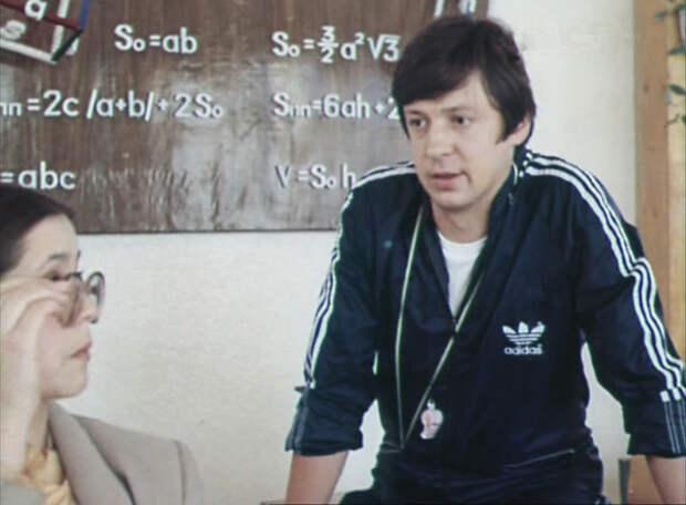 """Как менялся лейтенант Александров """"Кузнечик"""" (актер Сергей Иванов) из фильма  """"В бой идут одни «старики»""""  с течением времени."""