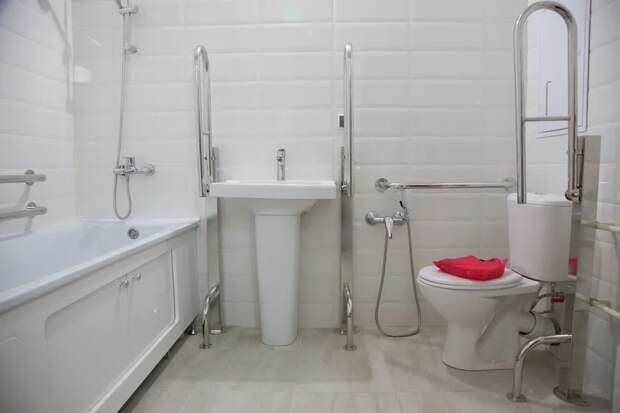 Спекуляция на реновации: в какие квартиры переселяют пенсионеров (и прочих граждан)