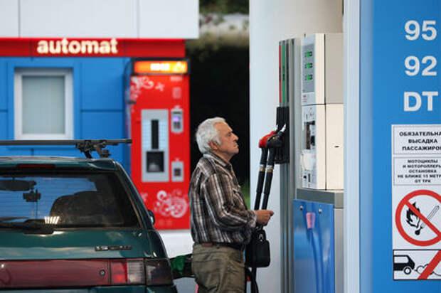 Цены на топливо вырастут с 1 января 2018 года: правительство одобрило новые акцизы