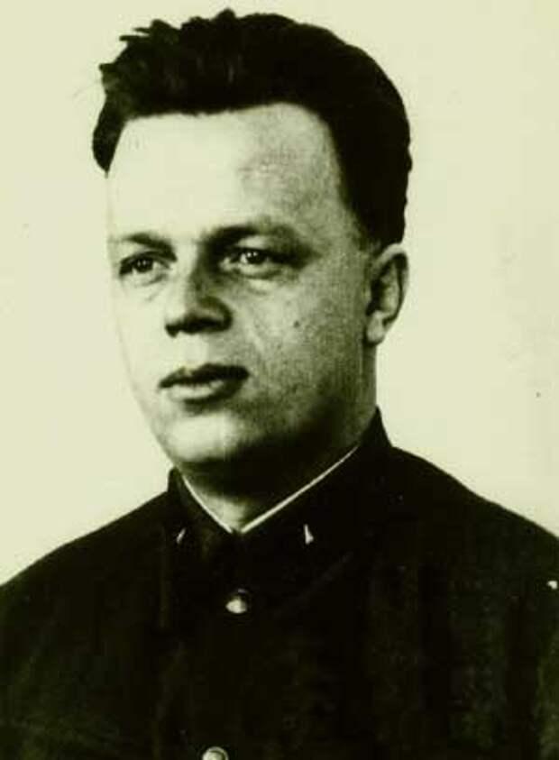 Павел Мешик.