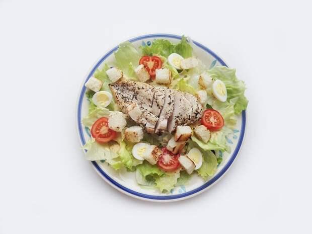 Да здравствует Цезарь: история и рецепты любимого салата