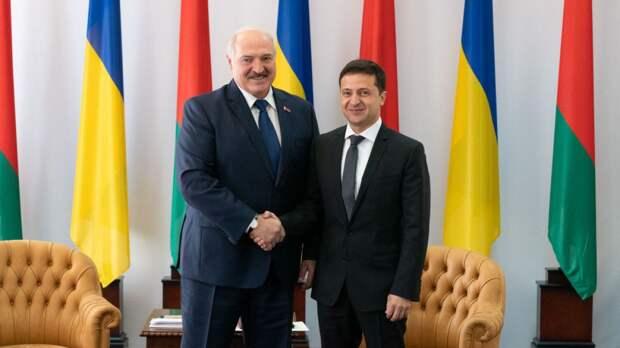 Зеленский заявил, что почти год не общался с Лукашенко