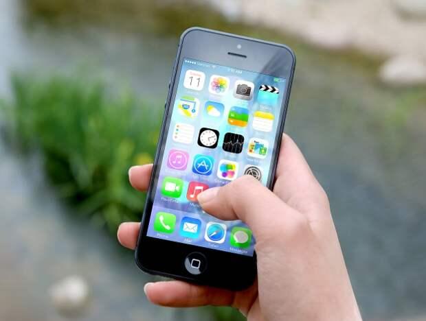 В воинских частях не разрешат использовать импортные смартфоны