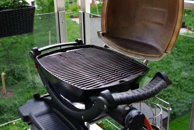 Производители рекомендуют включать мощную технику непосредственно в розетку, а не через удлинитель / Фото: expocafeperu.com