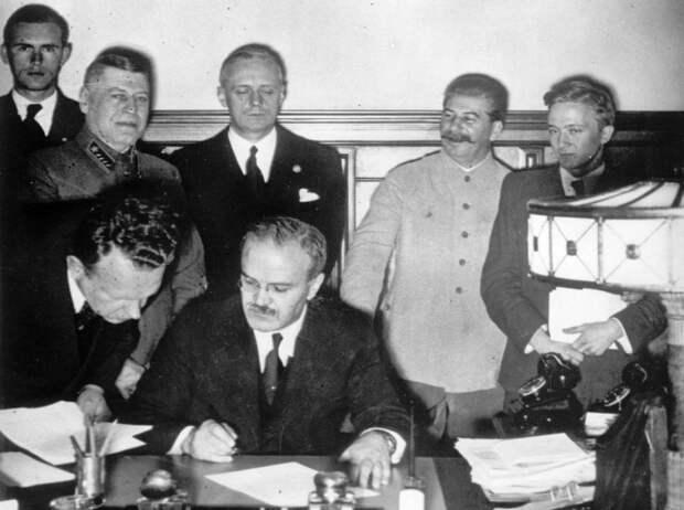 Почему Сталин отверг предложение Гитлера о разделе Британской империи