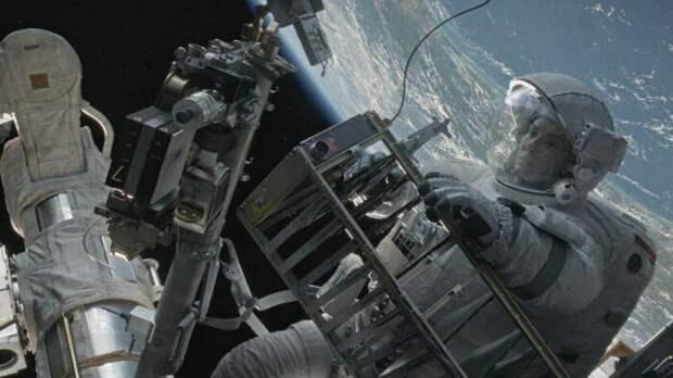 Кадр из фильма «Гравитация». / Фото: www.kinopoisk.ru