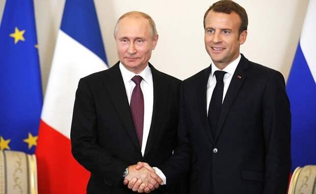 Макрон пообещал приехать на празднование Дня Победы в Россию