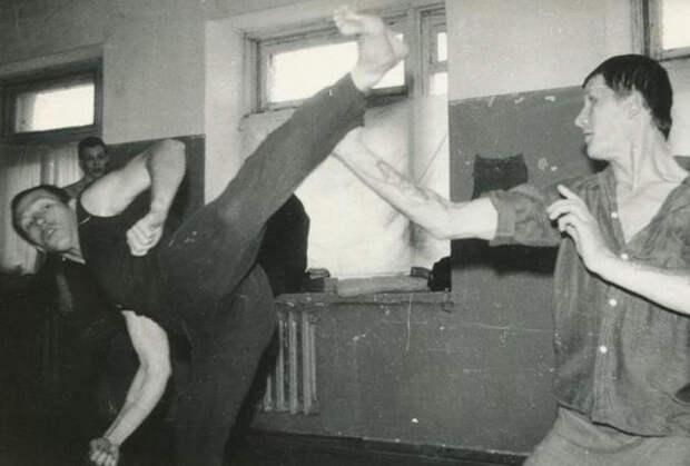 В 90-х онходил настрелки сореховскими ивыживал назонах: рассказ русского гангстера