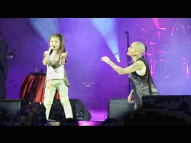 Девочка порвала зал на концерте Наргиз в Могилеве