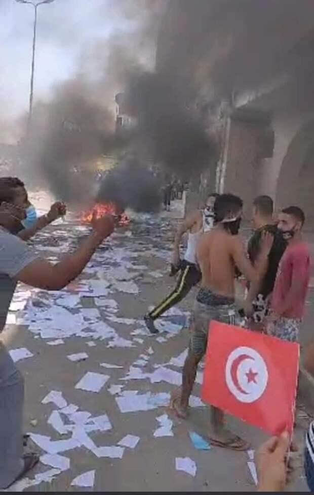 Развитие переворота в Тунисе. 26.07.2021