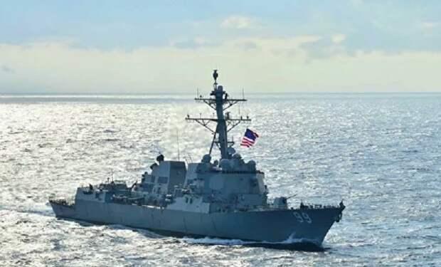 """Российский корабль напугал своим """"агрессивным"""" приближением эсминец США"""