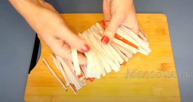 Беру крабовые палочки и готовлю закуску на Новый год. Рецепт к праздничному столу
