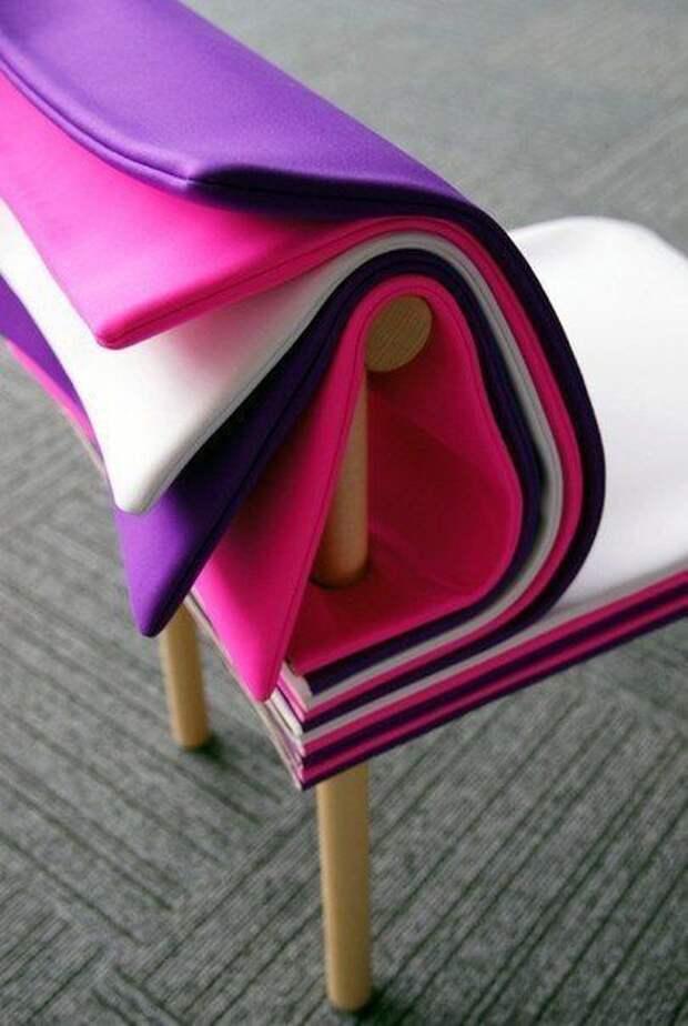 Диван и стул с одеялками