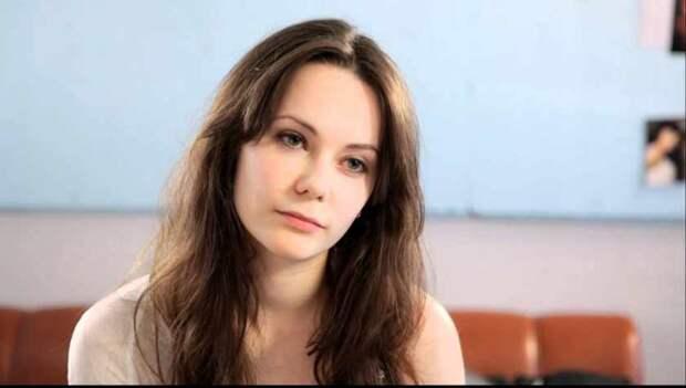 «Пришлось натерпеться из-за собственных родителей»: Как сложилась судьба дочери Апексимовой и Николаева. Из-за чего на Дашу обижается отец?