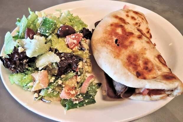 Лаваш с фаршем на сковороде: лучшая закуска для пикника