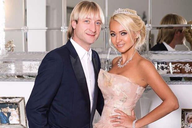 Рудковская и Плющенко взбесили пользователей Сети вульгарными танцами
