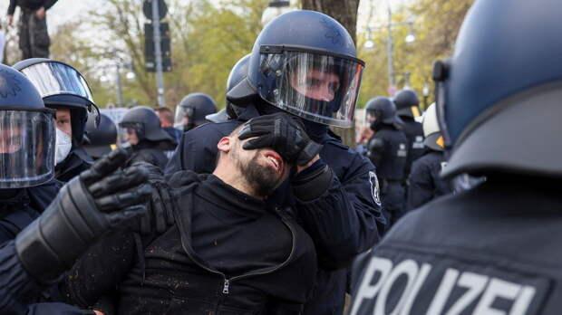 На акции протеста в Берлине пострадали 20 полицейских