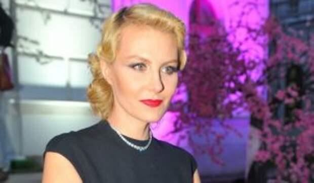 Оголившаяся Литвинова раскрыла свой секрет красоты: Плюсы бесконечны