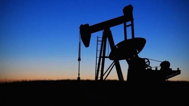 FT: американские нефтяники добиваются санкций против России и Саудовской Аравии