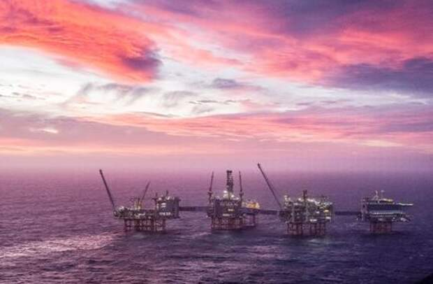 A view of the Johan Sverdrup oilfield in the North Sea, January 7, 2020. Carina Johansen/NTB Scanpix/via REUTERS ATTENTION EDITORS - THIS IMAGE WAS PROVIDED BY A THIRD PARTY. NORWAY OUT.