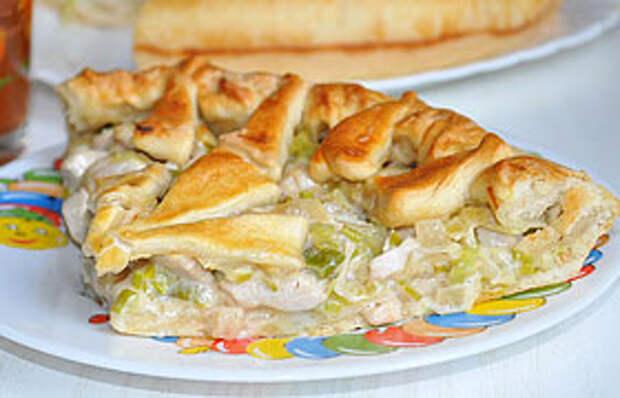 Пирог с курицей и плавленым сыром