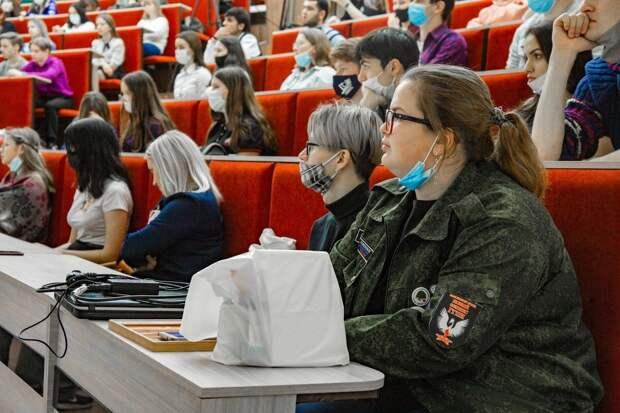 Студентам в Глазове рассказали о геноциде советского народа нацистами