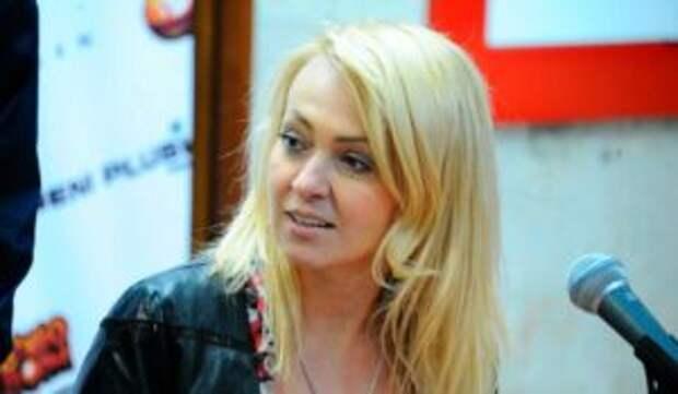Рудковская нежно поздравила среднего сына с 18-летием