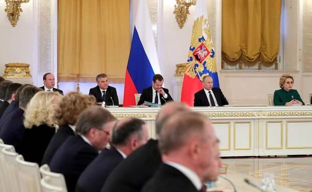 Дороги Петербурга будут служить в три раза дольше: Беглов сообщил о намерении увеличить расходы на ремонт дорог до 13 млрд рублей