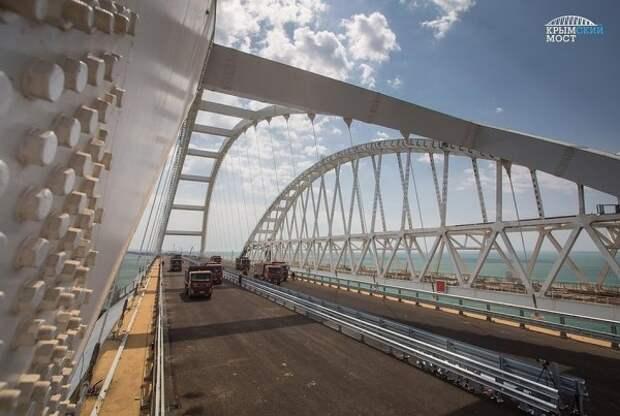 На автомобильных подходах к Крымскому мосту протестировали беспилотные машины